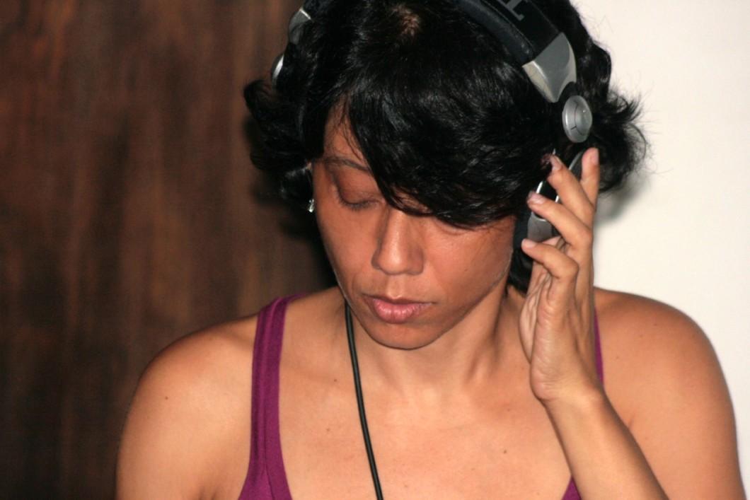 DJ ADRIANA PRATES POR CELL PIMENTA.jpg