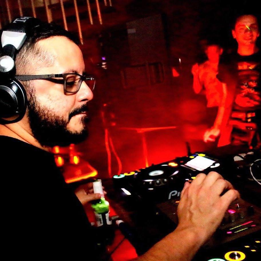 DJ Benjamin Ferreira, em foto de Paulo Watanabe
